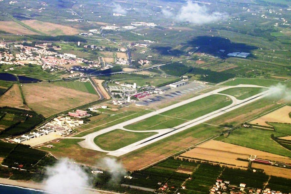 Аэропорт Ламеция-Терме (SUF)