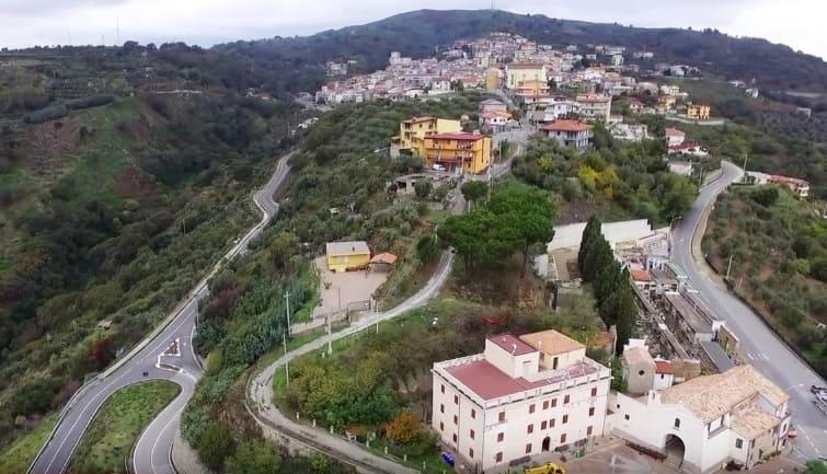 Гасперина - город в Калабрии